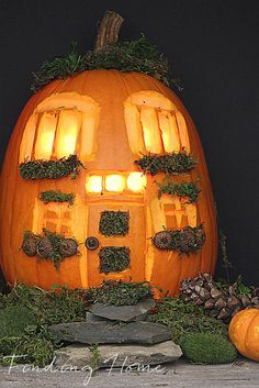 DIY House Carved Pumpkin #30minpumpkin #pumpkinchallenge