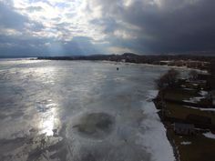 Today on bradblog! The Peterborough Prestige. Ice conditionas on Chemong Lake from above. http://peterboroughprestige.com/2018/01/24/peterborough-and-lindsay-stories-and-headlines-what-chemong-lake-looks-like-after-24-hours-of-rain/ #knowbeforeyougo