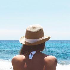 Wil jij een lekker kleurtje krijgen in de zon? Dat kan met deze simpele hacks om sneller bruin te worden! ☀