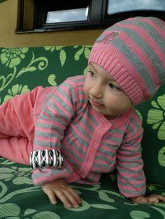 Moja córeczka uwielbia mode już od wczesnych lat się przebierała ;)