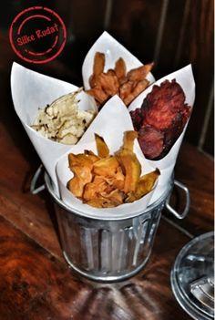 Silke Rudat, der deutsche Blog: gemüse chips...rote beete, karotte, süsskartoffel, rettich New Recipes, Snack Recipes, Vegetable Chips, Beetroot, Low Carb Keto, Sweet Potato, Clean Eating, Brunch, Appetizers