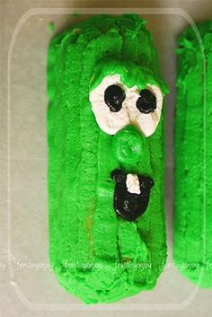 """Feasting on Joy: A Veggie Tales Birthday Party  Love these """"Larry"""" Twinkies!"""