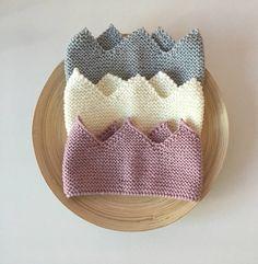 Baby Crown Headband, Frozen Headband, Baby Flower Crown, Headband Pattern, Knitted Headband, Elastic Headbands, Baby Headbands, Knitting For Kids, Baby Knitting