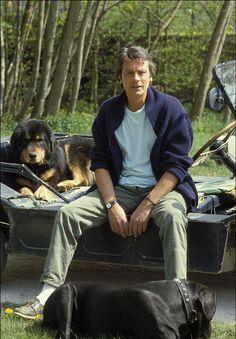 Alain Delon et ses chiens © Photo sous Copyright