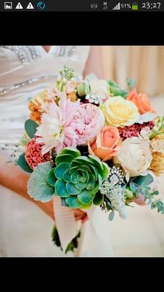 Bride's bouquet, this reminds we a lot of my flowers! Floral Wedding, Wedding Flowers, Wedding Stuff, Dream Wedding, Wedding Ideas, Carnival Wedding, Vintage Carnival, Carnival Themes, Wedding Pinterest