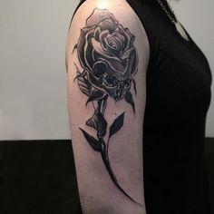🌹+💀 #chile #chiletatuajes #darkart #taot #bwmentality #graphictattoo #abstracttattoo #blacktattoo #blackworkerssubmission #blacktattoomag #skinartmag #TTTpublishing #onlyblackart #btattooing #blxckink #blacktattooart #tattrx #blackworkers_tattoo #flashworkers #darkartists #tattoorevuemag #equilattera #tattrx #sketchtattoo #contemporarytattoo #stabmegod #rosetattoo #skulltattoo #makuza #onlythedarkest #portalchiletattoo