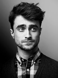 Just stumbled across this cool page for Daniel Radcliffe – WomanMax.pl Just stumbled across this cool page for Daniel Radcliffe Daniel Radcliffe – koniec z Harrym Potterem. Daniel Radcliffe Harry Potter, Daniel Harry Potter, Images Harry Potter, Tyler Posey, Celebrity Portraits, Celebrity Photography, Saturday Night Live, Celebs, Celebrities