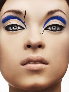 Looking for some bold makeup inspiration? Look no further! Here's thirty gorgeous makeup ideas. All images are credited to their rightful owners Love, Ana // // Beauty Makeup, Eye Makeup, Exotic Makeup, Beauty Tips, Blaues Make-up, Make Up Designs, Blue Makeup Looks, Fantasy Makeup, Gorgeous Makeup