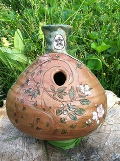 Apple Blossom Udu. Bird house
