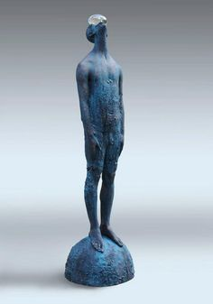 "Ukrainian artist Nazar Bilyk created this stunning tall sculpture called ""Rain"" using bronze and glass. A huge raindrop stands suspended on the figu Human Sculpture, Art Sculpture, Sculptures, Garden Sculpture, Contemporary Sculpture, Contemporary Art, Inspiration Artistique, Wow Art, Oeuvre D'art"