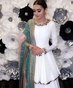 In love with the embellished contrast! Pakistani Wedding Outfits, Pakistani Bridal, Pakistani Dresses, Indian Dresses, Indian Outfits, Indian Attire, Indian Wear, Ethnic Fashion, Asian Fashion