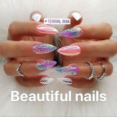 Nail art is a very popular trend these days and every woman you meet seems to have beautiful nails. It used to be that women would just go get a manicure or pedicure to get their nails trimmed and shaped with just a few coats of plain nail polish. Trendy Nails, Cute Nails, Stylish Nails, Fancy Nails, Hair And Nails, My Nails, Long Nails, Nagel Blog, Dream Nails