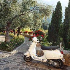 European Summer, Italian Summer, Summer Aesthetic, Travel Aesthetic, Places To Go, Places To Travel, Northern Italy, Dream Vacations, Vacation Travel