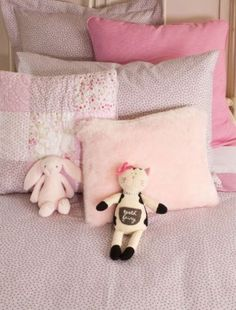 Tiny flower prints and different shades of pink for baby - Tour de lit bebe zara home ...