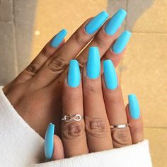 Are you looking for summer nails colors designs that are excellent for this summer? See our collection full of cute summer nails colors ideas and get inspired! Nails 61 Summer Nail Color Ideas For Exceptional Look 2019 Gorgeous Nails, Pretty Nails, Amazing Nails, Perfect Nails, Really Long Nails, Blue Acrylic Nails, Neon Blue Nails, Acrylic Summer Nails Coffin, Uñas Fashion