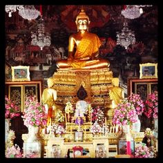 Inside the Temple of Rama II at Temple of Dawn complex in Bangkok. #thailand #temples
