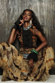 The Land of Ebony Love : Photo Fashion Mag, Funky Fashion, Modern Fashion, Queen Fashion, Fashion Online, High Fashion, Boho Gypsy, Hippie Boho, Bohemian