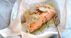 Our best fish papillote recipes - Nath - Animal de soutien émotionnel Food N, Food And Drink, Fish Recipes, Whole Food Recipes, Cooking Hard Boiled Eggs, Healthy Drinks, Healthy Recipes, Cooking Light Recipes, Organic Recipes