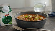 Hot kyllingsuppe - Oppskrift fra TINE Kjøkken Thai Red Curry, Nom Nom, Tin, Food And Drink, Low Carb, Soup, Snacks, Chicken, Ethnic Recipes