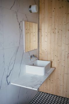FANCY! Design Blog | NZ Design Blog | Awesome Design, from NZ + The World: Kitchen and bathroom babeness in this Freemans Bay reno, by Studio106 architects