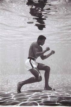 DEPORTIVO: FOTOGRAMAS - Muhammad Ali, utilizando métodos de e...