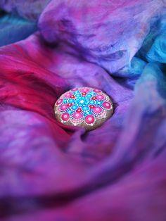 Elspeth McLean mandala stone on silk. Mandala Painting, Pebble Painting, Dot Painting, Pebble Art, Mandala Art, Stone Painting, Mandala Painted Rocks, Painted Stones, Elspeth Mclean