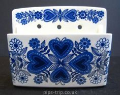 1960s Arabia Pottery (Finland) Wall Pocket | by Pips-Trip