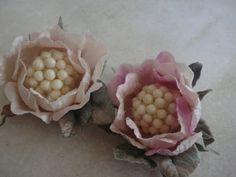 Forminhas para doces finosObra de Arte: Forminha de cetim com folha de veludo,um luxo!!!!