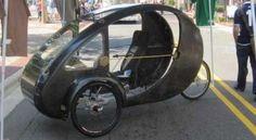 Las bicicletas están ganando cada vez más terreno alrededor del globo, no sólo como una forma de transporte mucho más equilibrada con el ambiente, sino también como una opción económica frente a tiempos duros. + info: http://www.ecoapuntes.com.ar/2012/12/elf-vehiculo-ecologico-con-pedales-y-paneles-solares/