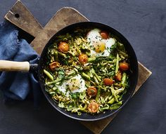 Grøntsagspande med æg