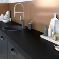 Le cuivre s'installe aussi dans la cuisine.