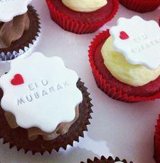 gateau eid Eid Cupcakes, Eid Cake, Cupcake Cakes, Ramadan Desserts, Ramadan Gifts, Mini Desserts, Eid Cookies Recipe, Beautiful Cakes, Amazing Cakes