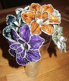 Tin Can Crafts, Cup Crafts, Diy And Crafts, Arts And Crafts, Paper Crafts, Dosette Nespresso, Recycled Crafts, Flower Making, Paper Flowers