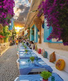 Turkey is simply stunning! 😍 Tag someone you'd take here 👇Photos by Alaçatı, Izmir Cunda, Balikesir Wonderful Places, Beautiful Places, Beautiful Streets, Beautiful Sunset, Places To Travel, Places To Go, Outdoor Restaurant, Turkish Restaurant, Outdoor Cafe