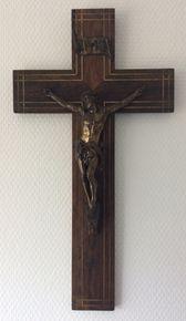 Eikenhouten kruis - 1e helft 20e eeuw.