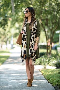 Green shift dress + leopard scarf (alyson haley) fall and wi Fall Winter Outfits, Autumn Winter Fashion, Christmas Outfits, Dress Winter, Dress Outfits, Cute Outfits, Shift Dress Outfit, Dresses, Green Shift Dress