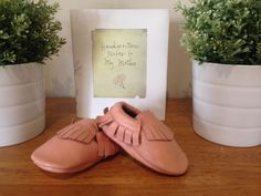 *Pick up available from Aubin Grove WA 6164*ENTER CODE: PICKUPFROMAUBINGROVE and shipping costs will be removed.Adorable leather moccasins in Blush Pink*Some slight colour variations may be noticed from computer/device screens to that of the actual item*