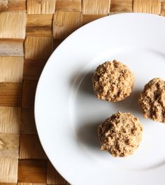 Applesauce Muffins: A healthy toddler snack Applesauce Muffins: A healthy toddler snack: not as healthy as I would like I cut back half the sugar and added about a third of a banana. Yummy and it's the only thing I can consistently get him to eat. Healthy Toddler Snacks, Healthy Meals For Kids, Toddler Meals, Kids Meals, Raw Food Recipes, Sweet Recipes, Snack Recipes, Monster Food, Applesauce Muffins