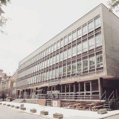 Building NOT 1960-63 Poznań architects: H. Jarosz J. Lisniewicz J. Wellenger  #podrys #instaphoto #inspiration #city #street #not #travel #day #landscape #light #wall #building #urban #art #architecture #archilovers #details #design #pattern #geometry #modernism #modernizm #minimal #sun #poland #poznan #dom #technika