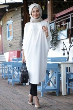 Hijab Fashion 2016, Abaya Fashion, Fashion Outfits, Womens Fashion, Moslem Fashion, Gilet Long, Hijab Fashion Inspiration, Islamic Clothing, Mode Hijab