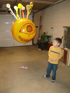 Beholder freaking a kid out