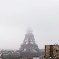 """""""#eiffeltower #fog #paris #toureiffel #nikon #d7100"""""""
