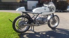 BMW R50 Cafe Racer by Josef Hilz #motorcycles #caferacer #motos | caferacerpasion.com