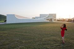 CITE DE L'OCEAN ET DU SURF by Steven Holl Architects / Biarritz - France