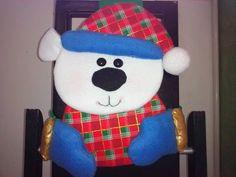 .: CUBRE SILLAS NAVIDEÑOS MOLDES Y VIDEOS GRATUITOS - Autoria y credito en las fotos Christmas Holidays, Xmas, Indoor Christmas Decorations, Outdoor Sheds, Bathroom Kids, Chair Covers, Smurfs, Hello Kitty, Projects To Try
