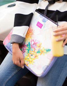 funda-portátil-flores-3 Plastic Cutting Board, Laptop Sleeves, Flower Designs