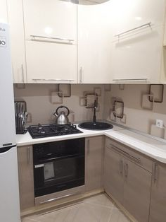 Kitchen Room Design, Home Decor Kitchen, Interior Design Kitchen, Kitchen Furniture, Home Design, Micro Kitchen, Kitchen Modern, Small Apartment Kitchen, Trendy Furniture
