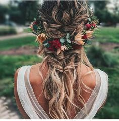 Boho Crown Pull-Through Braid With Waves hochzeit frisuren 50 Modern Wedding Hairstyle Ideas with Awesome Braids, Curls, and Up-dos Romantic Wedding Hair, Wedding Hair And Makeup, Wedding Updo, Hair Makeup, Boho Bridal Hair, Hippie Wedding Hair, Floral Wedding Hair, Boho Bridesmaid Hair, Bridal Braids