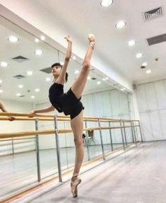 36 Super Ideas Photography Kids Dance Ballet - Another! Ballet Pictures, Dance Pictures, Ballet Photography, Children Photography, Ballet Stretches, Dance Poses, Ballet Beautiful, Ballet Dancers, Ballet Kids