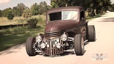 old rat rod #trucks 1946 Chevy Truck, Chevrolet Trucks, Dodge Trucks, Rat Rod Cars, Pinstriping, Black Smoke, Semi Trucks, Concept Cars, Rats